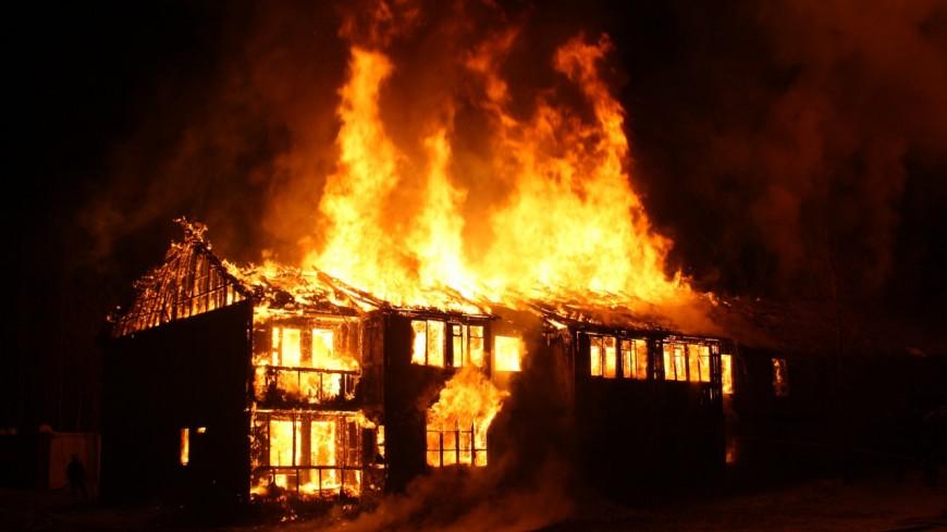 Un feu de cheminée à Châtillon-sur-Cluses