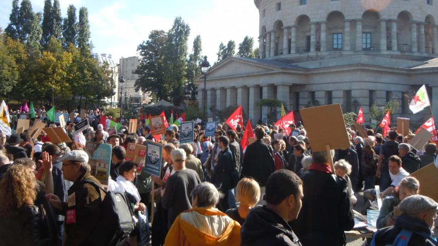 Des collectifs des Savoie en manif à Grenoble