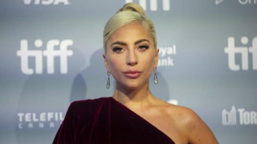 Lady Gaga serait-elle enceinte de son premier enfant?