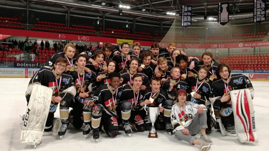 Les jeunes hockeyeurs du Mont-Blanc champions