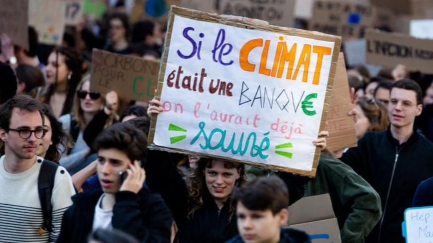 Des jeunes annéciens font la grève pour le climat