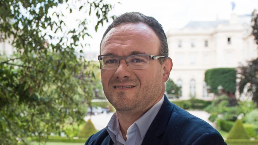 Damien Abad patron des LR à l'Assemblée