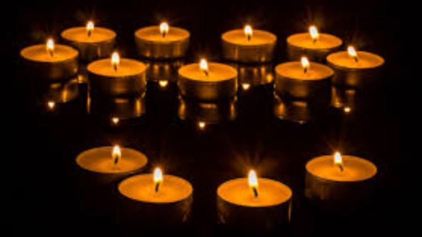 Fail : Il demande sa femme en mariage entouré de bougies et met le feu à l'appartement !