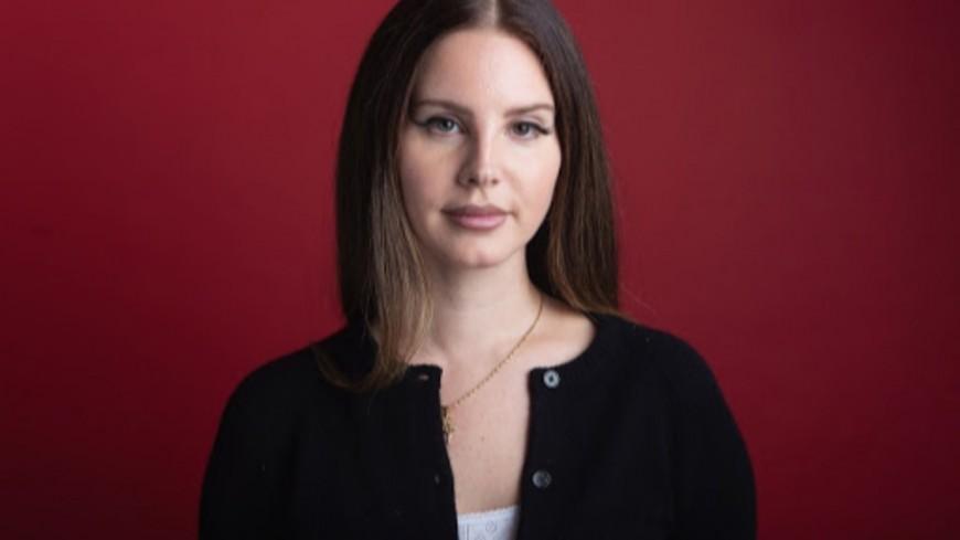 Lana Del Rey en plein tournage pour son nouveau clip ! (vidéo)
