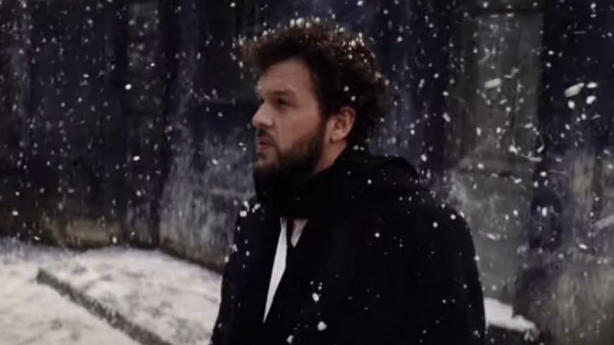 """Claudio Capéo dévoile le clip de """"E penso a te"""" (vidéo)"""