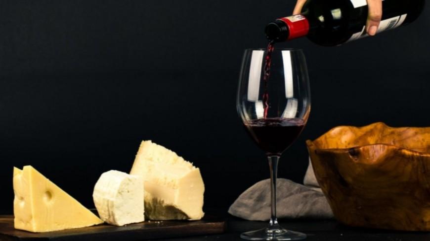 """Une étude dévoile que le combo """"vin + fromage"""" est très bon pour la santé !"""