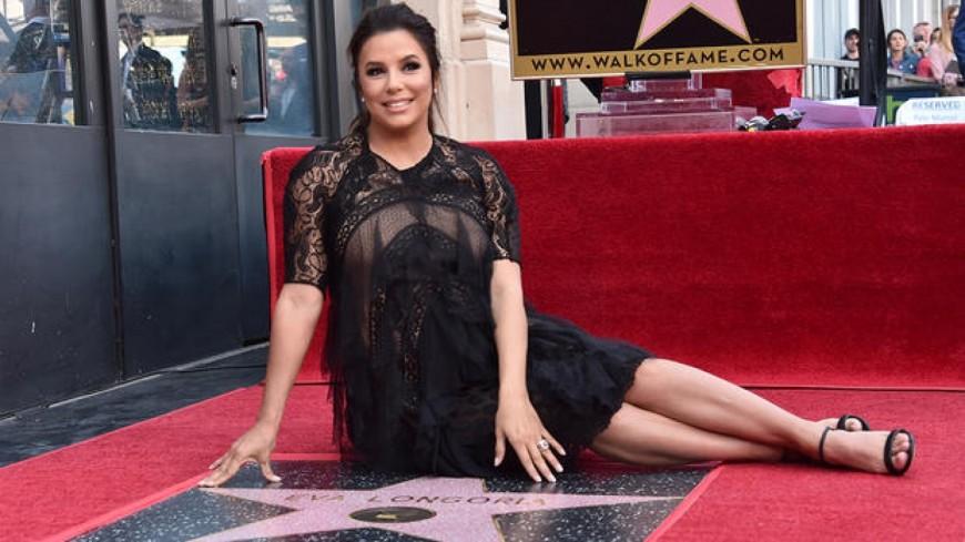 Eva Longoria reçoit son étoile sur le Walk of Fame