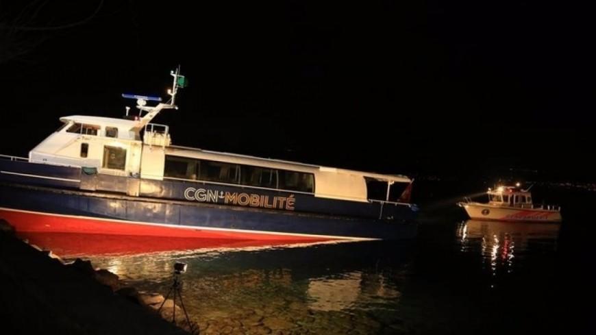 Un bateau s'encastre dans les quais d'Ouchy