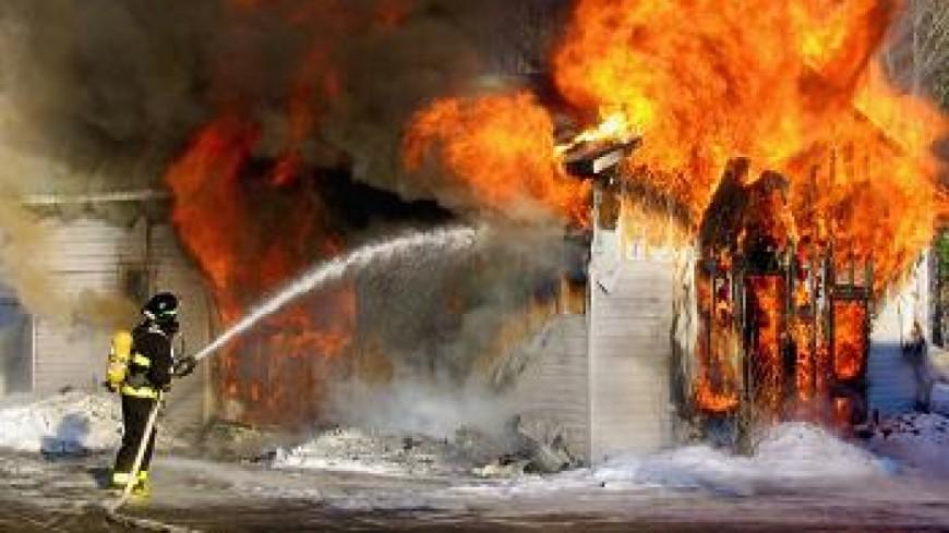 Une voiture en feu à Dingy-en-Vuache