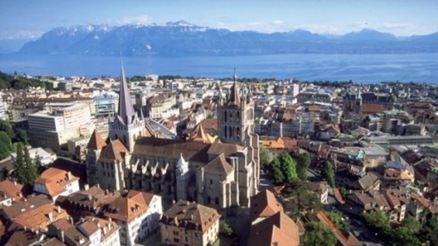 Lausanne développe l'information au public