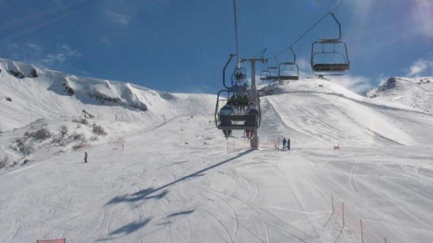 Deux skieurs blessés par la chute d'un arbre
