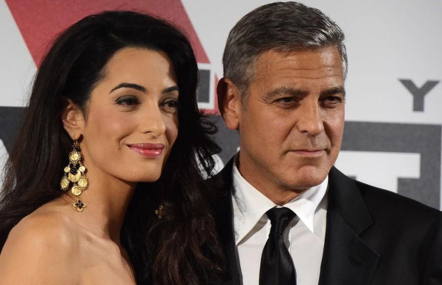 Ce n'est pas 1 mais 2 heureux évènements qu'attendent George Clooney et sa femme Amal !
