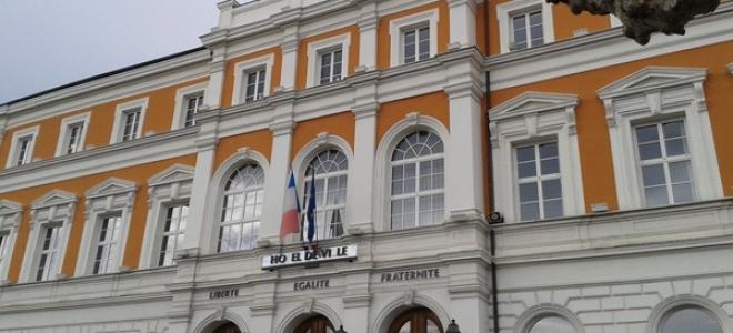 Saint-Julien informe ses fronatliers Suisses